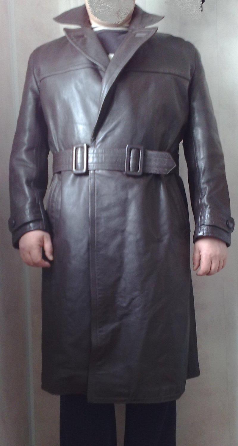 Продам пальто кожаное, мужское, темно-коричневое (куплено в Германии), внутри предусмотрена подстежка