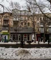 продаю квартиру в сталинке в самом центре города