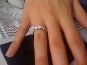Продам золотое кольцо белое золото с бриллиантом
